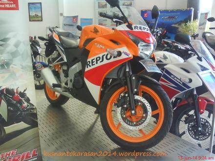 Honda CBR 150 R edisi Repsol buatan Thailand /CBU