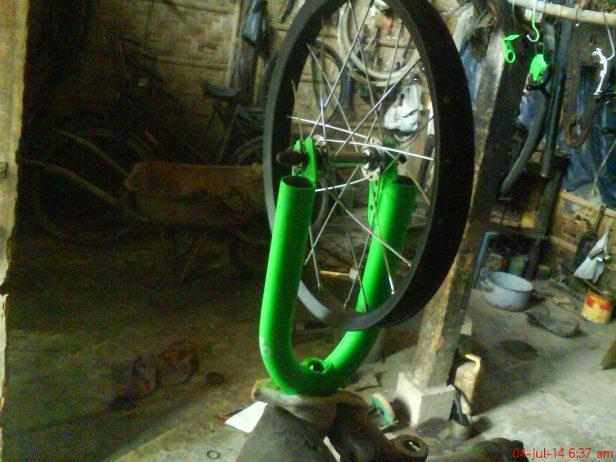 porok/fork depan, alat alternative untuk stel roda sepeda.