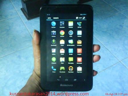 Tampilan depan tablet Lenovo Ideatab A1000