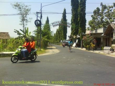 Joilayan, pertigaan jalan Samas, awal jalan Ganjuran - Patalan