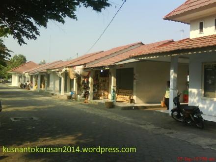 Sisi depan kanan Pasar Pijenan Wijirejo