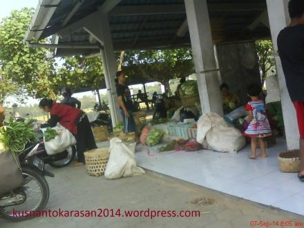 Pedagang sayur Pasar Pijenan Wijirejo Pandak