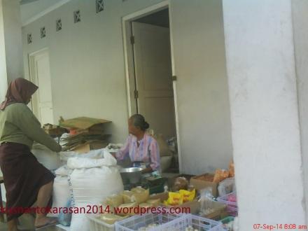 pedagang sembako pasar Pijenan Wijirejo