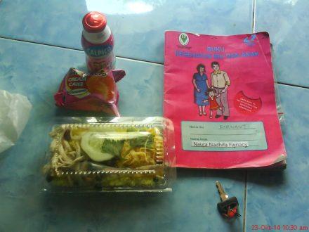 Ini nih aneka makanan , susu, dan makanan  dari Posyandu Melati Karasan Palbapang