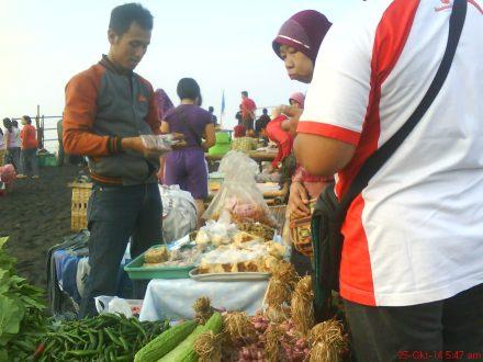 jajanan tradisional khas Jogja di pantai Depok-Parangtritis