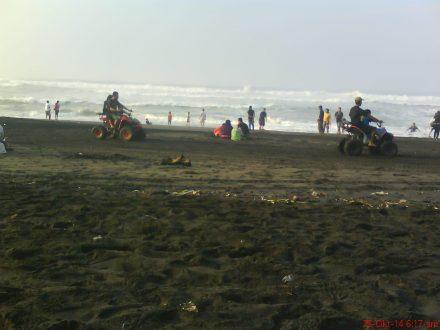 Duh senangnya naik ATV di pantai Depok-Parangtritis