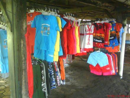 baju anak bertuliskan pantai depok sebagai cinderamata