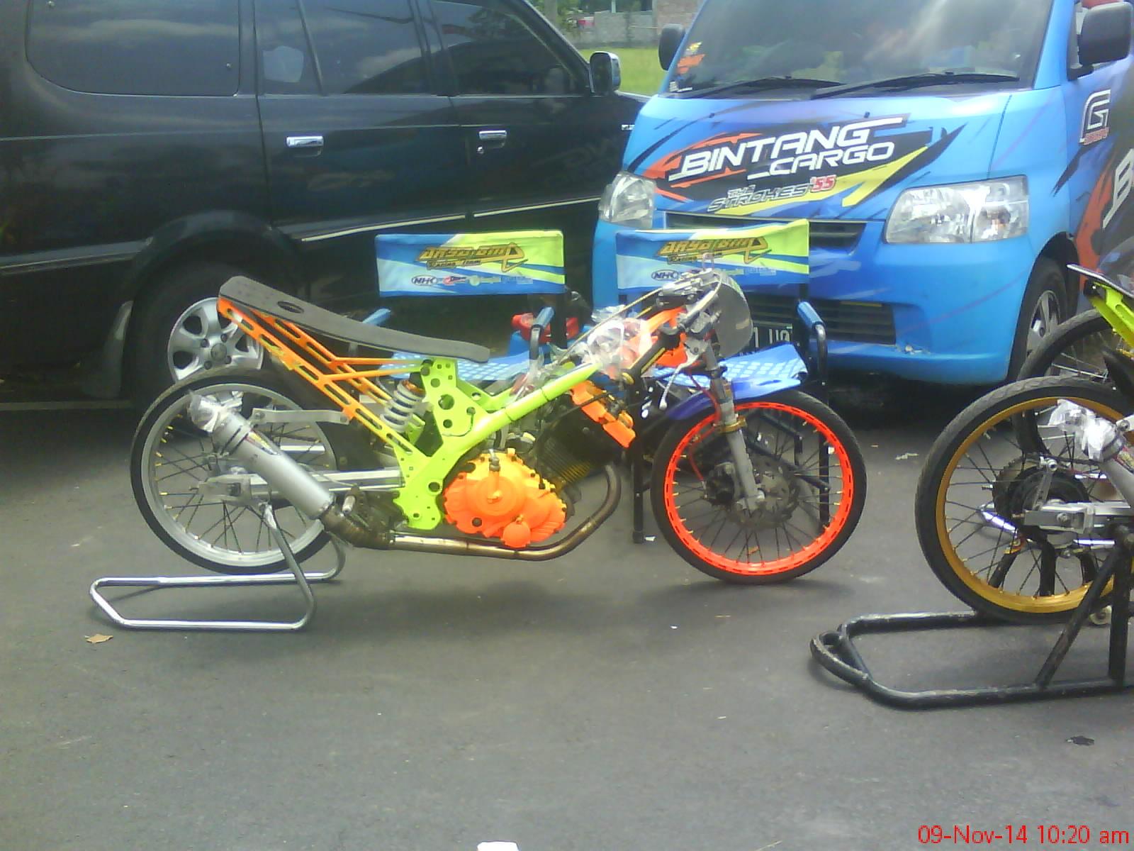 Gambar Motor Drag Bike Indonesia Motorwallpapers Org