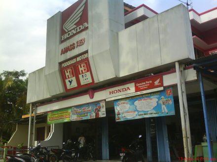 AHASS 7459 PODODADI MOTOR, Jl. KH Wahid Hasyim Ringinharjo Bantul Telp. 367049