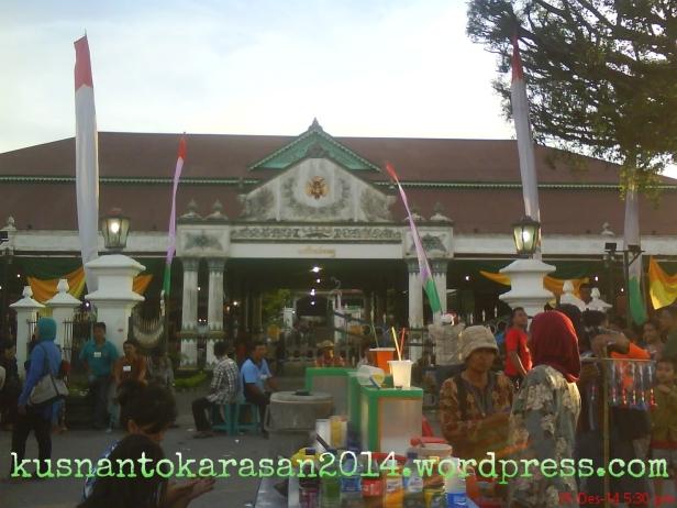 Tampak depan keraton Yogyakarta