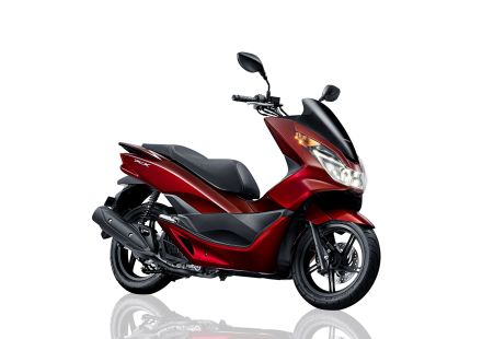 PCX 150 warna merah/ luxury red