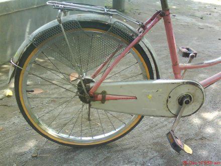 And.......jreng..jreng selesailah sudah penggantian ban belakang sepeda