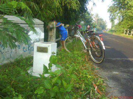 Ini loh tanda batas wilayah kecamatan Jetis dan kecamatan Bambanglipuro Bantul yang berada di at jembatan Sorok sungai Winongo