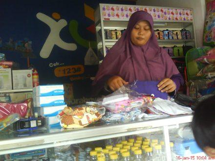 Pemilik Qila Shop Jogja