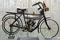 Moto-Reve model tahun 1910 yang dimiliki oleh orang Rumania perintis penerbangan