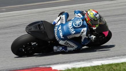 Colin Edwards saat mengujiban Michelin pada tes Sepang