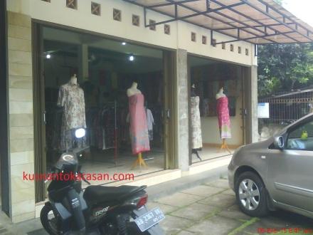 tampak samping showroom Batik Ramadhani