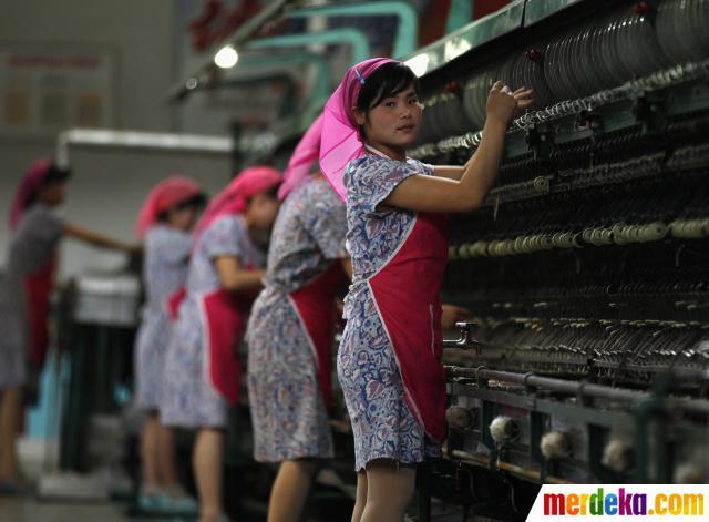Pekerja Wanita Di Korea Utara 001 Debby Restu Utomo Kusnantokarasan Com