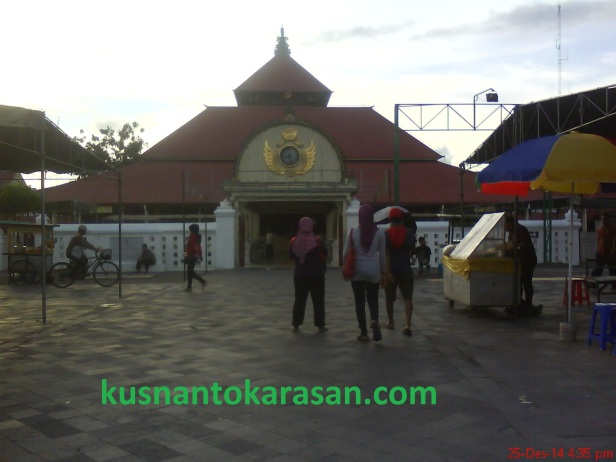 "Masjid Gedhe Kauman Yogyakarta ""Masjid Raya Daerah Istimewa Yogyakarta "" Kagungan Dalen Keraton Ngayogyakarta Hadiningrat dibangun  pada 29 Mei 1773"