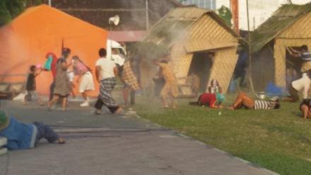 Simulasi gempa di lapangan paseban Bantul