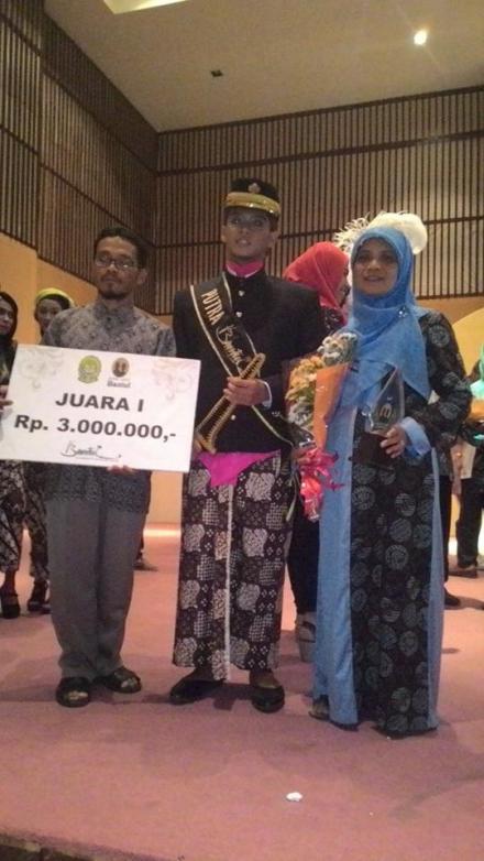 Saat kemenangan Aziz Bachtiar Cendekiawan di Grand Final ajang Dias-Diajeng Bantul 2015