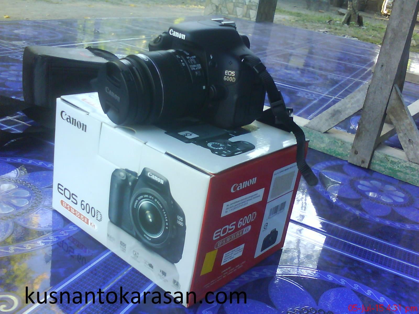 sisi kiri kamera canon EOS 600D