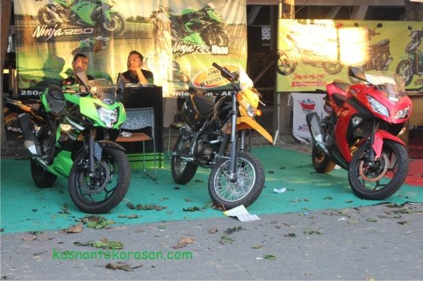Motor-motor Kawasaki ki-ka : Ninja RR Mono, D-tracer 150, ninja 250 R FI