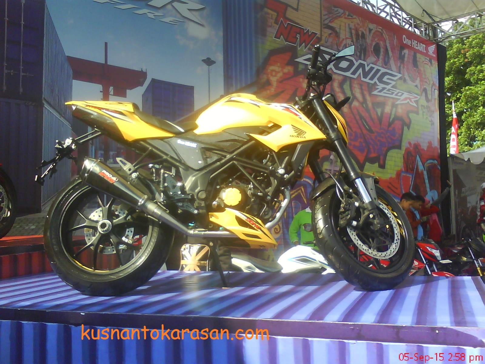 100 Modif Motor All New Cb 150 R Modifikasi Honda Terbaru 150r Streetfire Raptor Black Sleman Icip Sonic Dan Di Parkir Mandala Krida