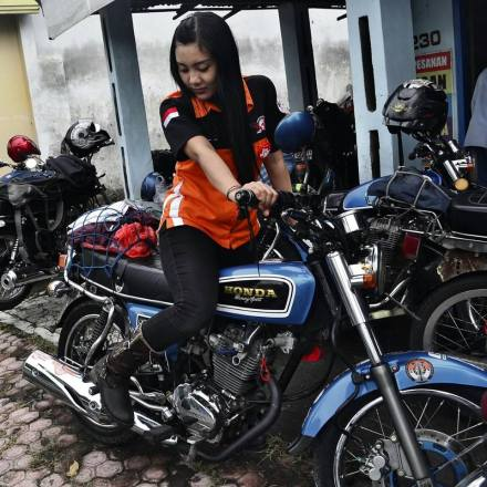 Ini mbak Rara Kiara Ladyz Biker Honda CB