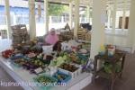pedagang buah-buahan pasar Grogol