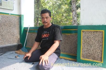 Bapak Bayudi juru-kunci Petilasan Turunnya Wahyu Mataram 'Gilanglipuro' Pandak Bantul