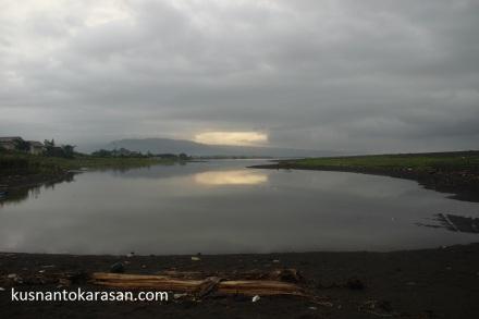 Laguna pantai Samas, diambil dipagi hari saat cuaca mendung