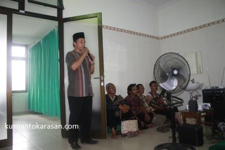 Bp. Sunarto pemancu acara Khitanan Massal RSP RESPIRA Yogyakarta
