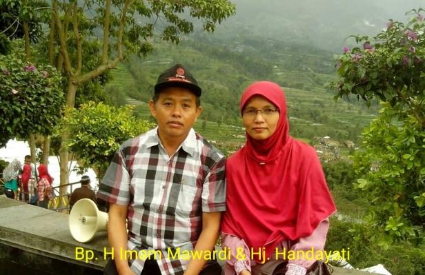 Bpk. H. Imam Mawardi beserta istri Ibu Hj. Handayati (bidan Handayati)