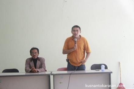 Pak Ryan selaku ketua Fortais memberikan arahan kepada peserta Golek Garwo