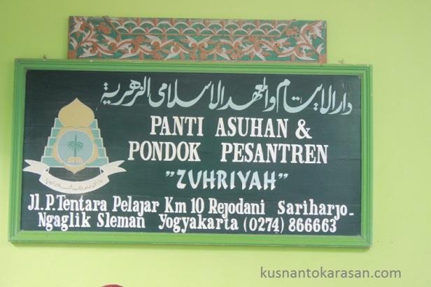 Psnti asuhan & Pondok Pesantren Zuhriyah Rejodani Sleman
