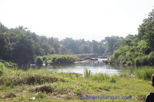 Inilah tuyik pertemyan/ tempuran sungai Opak dan sungai Oya.