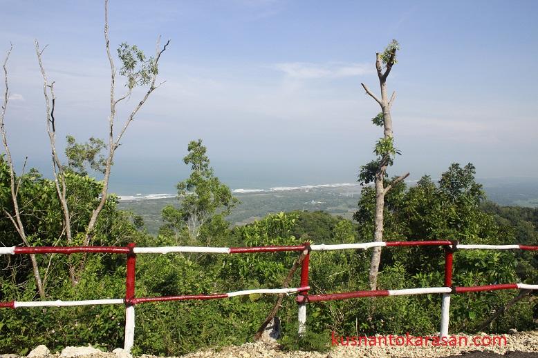 Panorama depan Gua 10
