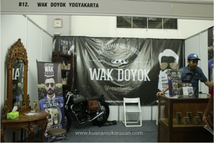 Booth 'style' minyak rambut