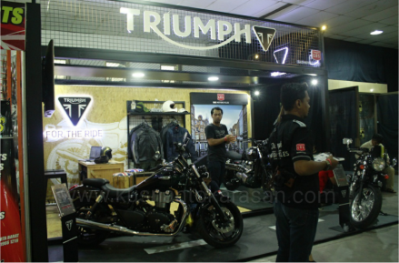 Booth Moge Triump
