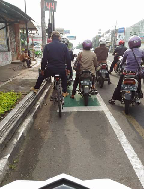 Zona berhenti sepeda di Jogja di pangkas