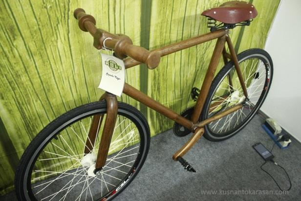 Sepeda kayu buatan 'Ruli wood Custom' Jepara