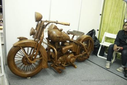 Mogevkayu buatan Ruli Wood Custom-Jepara