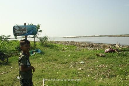 Muara sungai Opak