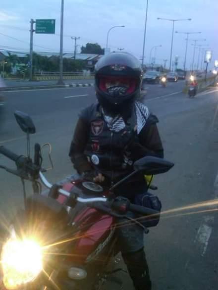 Lady biker asal Cirebon 'Dewi Siti Hawa'