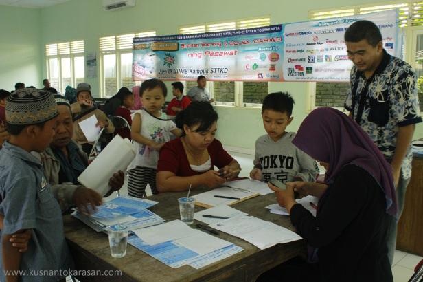 Saat registrasi ulang peserta Supitan Bareng Ning Pesawat