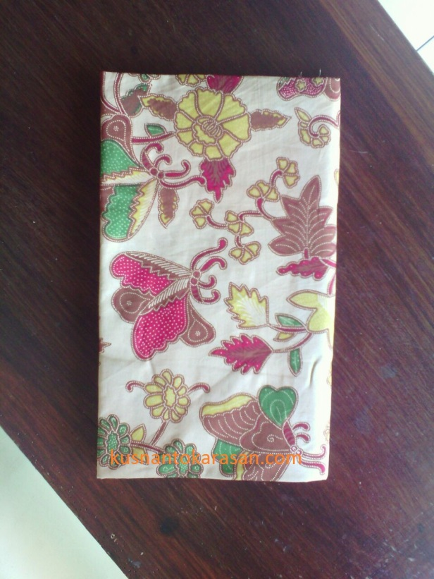 Motif batik kupu-kupu