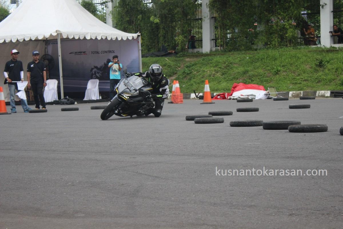 Foto Foto Riding Experience Honda CBR 250RR Stadion