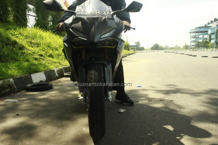 Tampak depan All New CBR 250RR