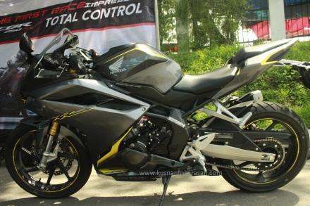 Sisi kiri all new Honda CBR 250RR